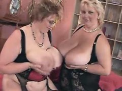 Sex of two tremendous fat black lesbians