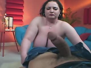 Breasty fat girl gets oral pleasure from dude