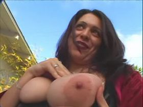 Dudes get sucked by jelly fatty and give her a cum jet