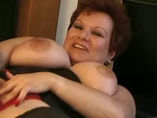 Portly housewife screwed by blackie in toilet