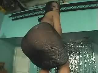 Ebony Chubby mom shows off her big butt and blows