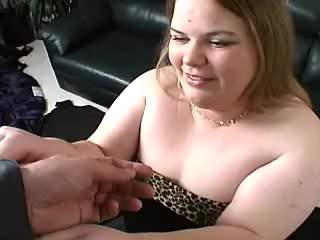 Amateur flabby fatty blowing hard dick on sofa