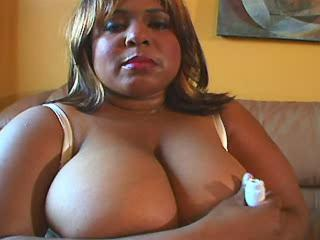 Sex adventure with ebony plumper in hotel